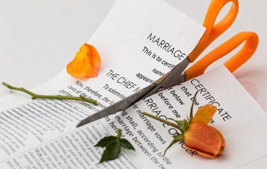 Dziecko z rozbitej rodziny – jak wytłumaczyć mu rozwód?